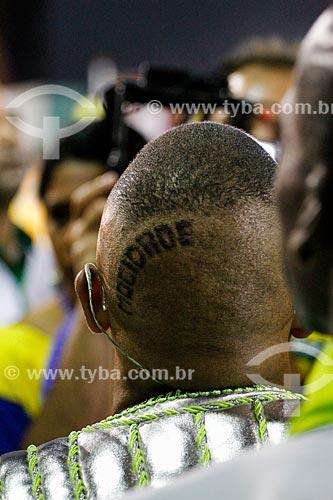 Detalhe do corte de cabelo do cantor Dudu Nobre durante o desfile do Grêmio Recreativo Escola de Samba Mocidade Independente de Padre Miguel  - Rio de Janeiro - Rio de Janeiro (RJ) - Brasil