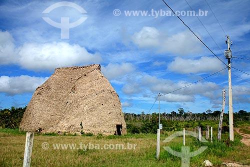 Oca da tribo Karitiana com energia elétrica  - Porto Velho - Rondônia (RO) - Brasil