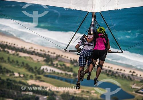 Praticantes de voo livre na rampa da Pedra Bonita/Pepino  - Rio de Janeiro - Rio de Janeiro (RJ) - Brasil
