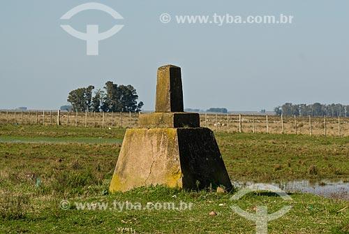 Marco da fronteira terrestre entre Brasil e Uruguai  - Distrito de Masoller - Departamento de Rivera - Uruguai
