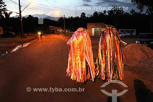 Apresentação do grupo Maracanã de Bumba meu boi após a festa de São João - vaqueiros indo procurar o boi na floresta (parte do enredo)  - São Luís - Maranhão (MA) - Brasil