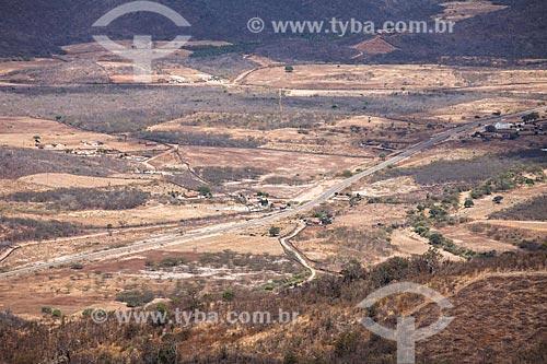 Vegetação de Caatinga vista da estrada estadual CE-060 na descida da Serra de Baturité   - Baturité - Ceará (CE) - Brasil
