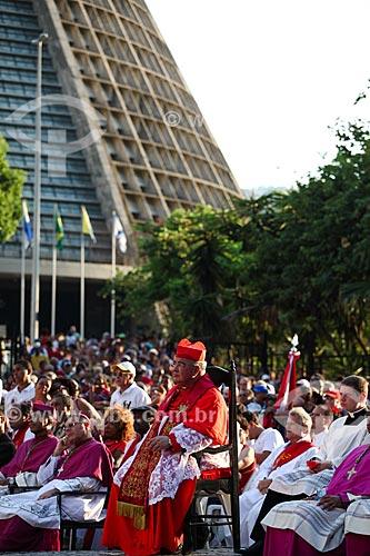 Dom Orani João Tempesta - arcebispo do Rio de Janeiro - durante a procissão no festejo do dia de São Sebastião  - Rio de Janeiro - Rio de Janeiro (RJ) - Brasil