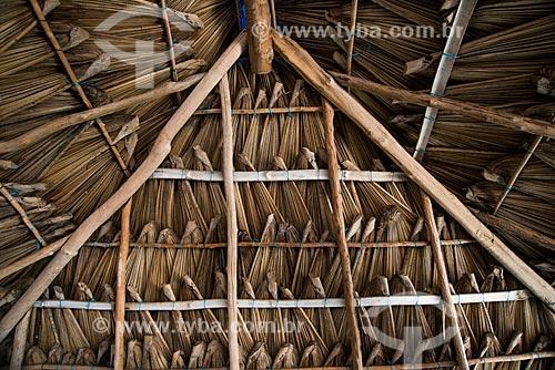 Detalhe do teto de sapé em cabana na Vila de Queimada dos Britos no Parque Nacional dos Lençóis Maranhenses  - Santo Amaro do Maranhão - Maranhão (MA) - Brasil