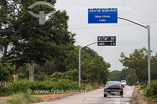 Divisa entre as cidade do Crato e Nova Olinda pela Rodovia CE-292 - Floresta Nacional do Araripe-Apodi  - Crato - Ceará (CE) - Brasil