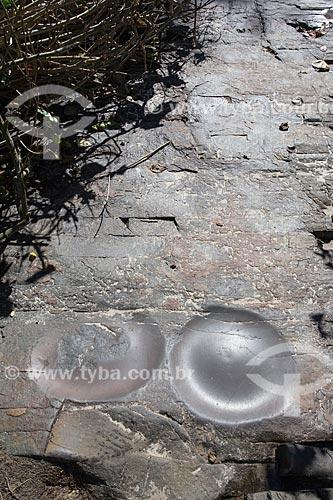 Evidência de uma oficina lítica nas pedras da orla da Praia da Joaquina  - Florianópolis - Santa Catarina (SC) - Brasil