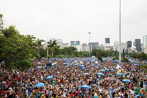 Foliões no desfile do bloco de carnaval de rua Sargento Pimenta no Aterro do Flamengo  - Rio de Janeiro - Rio de Janeiro (RJ) - Brasil