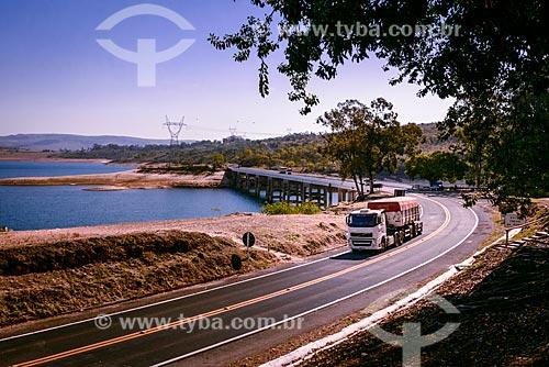 Caminhão na Rodovia Newton Penido (MG-050)  - Capitólio - Minas Gerais (MG) - Brasil