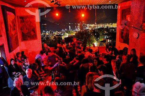 Noite de Jazz no The Maze Inn - favela Tavares Bastos - com a Praia do Flamengo e o Pão de Açúcar ao fundo  - Rio de Janeiro - Rio de Janeiro (RJ) - Brasil
