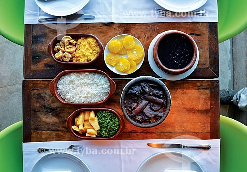 Mesa posta com feijoada tradicional no Restaurante Brasileirinho  - Rio de Janeiro - Rio de Janeiro (RJ) - Brasil