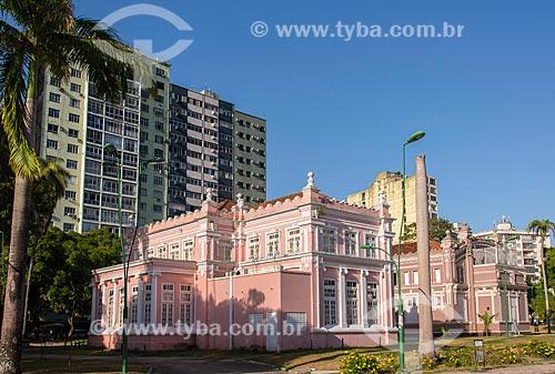 Instituto de Ciências da Arte da Universidade Federal do Pará com o Teatro Experimental Waldemar Henrique ao fundo  - Belém - Pará (PA) - Brasil