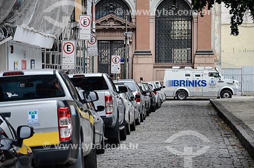 Carros estacionados na Praça Pio X  - Rio de Janeiro - Rio de Janeiro (RJ) - Brasil