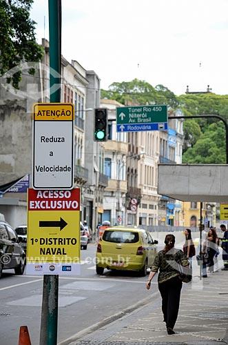 Placas na Rua Primeiro de Março próximo ao Túnel Rio450  - Rio de Janeiro - Rio de Janeiro (RJ) - Brasil