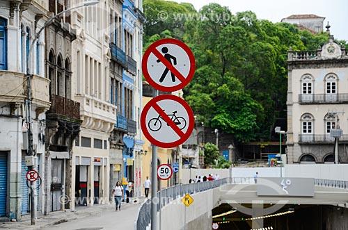 Placas na entrada do Túnel Rio450  - Rio de Janeiro - Rio de Janeiro (RJ) - Brasil