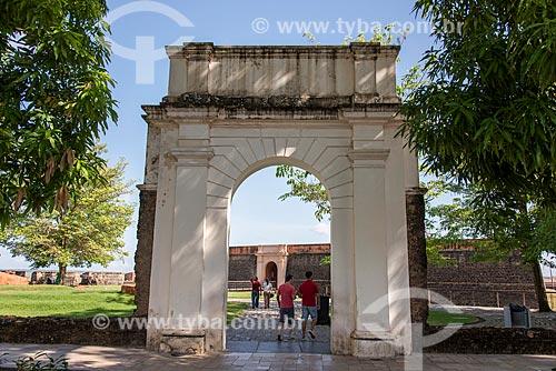 Portal do Forte do Castelo do Senhor Santo Cristo (1616) - também conhecido como Forte do Castelo ou Forte do Presépio - na margem da foz do Rio Guamá  - Belém - Pará (PA) - Brasil