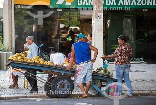 Comércio ambulante no centro da cidade de Belém próximo à Praça da República  - Belém - Pará (PA) - Brasil