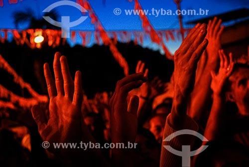 Fiéis durante a procissão em celebração à São Jorge na Igreja de São Jorge  - Rio de Janeiro - Rio de Janeiro (RJ) - Brasil