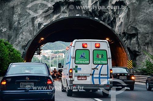 Tráfego no Túnel Engenheiro Enaldo Cravo Peixoto - Linha Amarela  - Rio de Janeiro - Rio de Janeiro (RJ) - Brasil