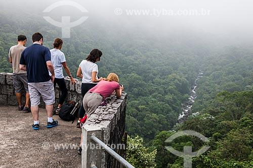 Turistas no Mirante do Último Adeus - Parque Nacional de Itatiaia  - Itatiaia - Rio de Janeiro (RJ) - Brasil