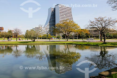 Fachada do Centro Administrativo do Estado do Rio Grande do Sul (CAERGS) - também conhecido como Centro Administrativo Fernando Ferrari  - Porto Alegre - Rio Grande do Sul (RS) - Brasil