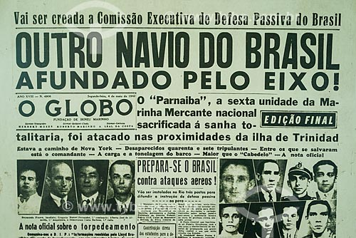 Capa do jornal O Globo de 4 de maio de 1942 - Reprodução do acervo do museu do Monumento aos Mortos da Segunda Guerra Mundial - Monumento aos Pracinhas  - Rio de Janeiro - Rio de Janeiro (RJ) - Brasil