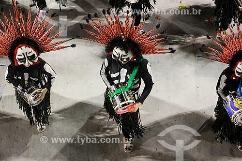 Desfile do Grêmio Recreativo Escola de Samba Paraíso do Tuiuti - Bateria - Enredo 2015 - Curumim chama Cunhantã que eu vou contar?  - Rio de Janeiro - Rio de Janeiro (RJ) - Brasil
