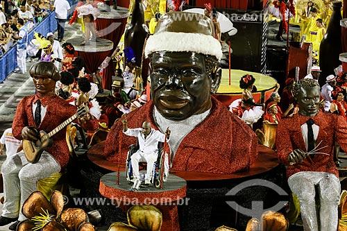 Desfile do Grêmio Recreativo Escola de Samba Renascer de Jacarepaguá - Portador de necessidades especiais como destaque de carro alegórico  - Rio de Janeiro - Rio de Janeiro (RJ) - Brasil