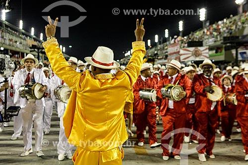 Desfile do Grêmio Recreativo Escola de Samba Estácio de Sá - Bateria - Enredo 2015 - De braços abertos, de janeiro a janeiro, sorrio, sou Rio, sou Estácio de Sá!  - Rio de Janeiro - Rio de Janeiro (RJ) - Brasil