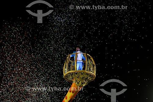 Desfile do Grêmio Recreativo Escola de Samba Unidos de Vila Isabel - Cantor Martinho da Vila como destaque de carro alegórico  - Rio de Janeiro - Rio de Janeiro (RJ) - Brasil