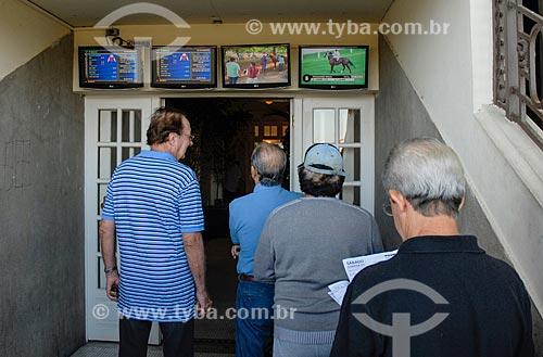 Apostadores no Hipódromo da Gávea  - Rio de Janeiro - Rio de Janeiro (RJ) - Brasil