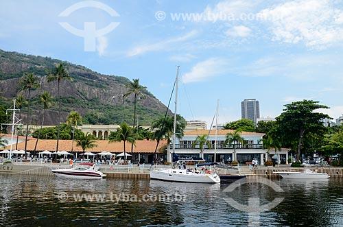 Barcos no Iate Clube do Rio de Janeiro com o Morro da Urca e a Torre do Rio Sul ao fundo  - Rio de Janeiro - Rio de Janeiro (RJ) - Brasil
