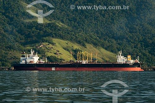 Navio petroleiro Carmel próximo à cidade de Angra dos Reis  - Angra dos Reis - Rio de Janeiro (RJ) - Brasil