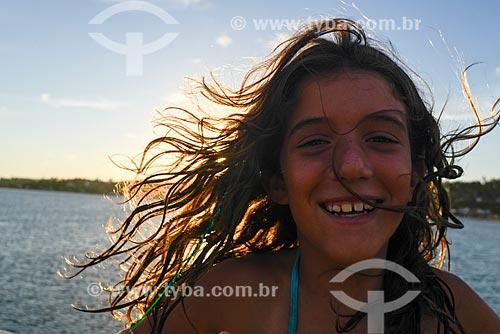 Detalhe de rosto de menina na Praia de Pipa  - Tibau do Sul - Rio Grande do Norte (RN) - Brasil