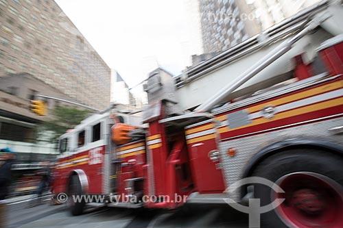 Caminhão dos Bombeiros do Corpo de Bombeiros de Nova York  - Cidade de Nova Iorque - Nova Iorque - Estados Unidos