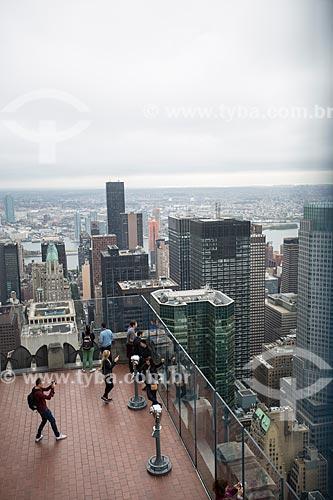 Turistas no terraço de edifício no Rockefeller Center  - Cidade de Nova Iorque - Nova Iorque - Estados Unidos