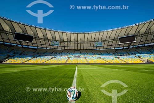Adidas Brazuca - bola de futebol oficial da Copa do Mundo FIFA de 2014 - no Estádio Jornalista Mário Filho (1950) - também conhecido como Maracanã - após as reformas para a Copa do Mundo no Brasil  - Rio de Janeiro - Rio de Janeiro (RJ) - Brasil
