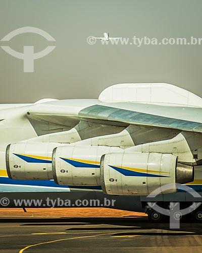 Detalhe das turbinas do An-225 Mriya - maior avião de carga do mundo - no Aeroporto Internacional de Ouagadougou  - Ouagadougou - Província de Kadiogo - Burkina Faso