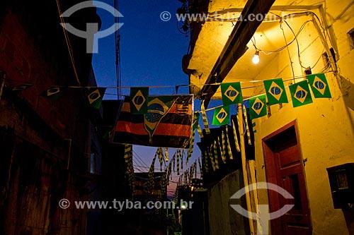 Rua Sâo Sebastião decorada para a Copa do Mundo 2014 - Favela do Jacarezinho  - Rio de Janeiro - Rio de Janeiro (RJ) - Brasil