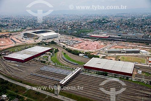 Foto aérea do pátio de manutenção Itaquera do Metrô de São Paulo com a Arena Corinthians à esquerda  - São Paulo - São Paulo (SP) - Brasil