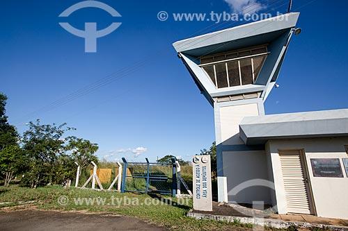 Entrada do depósito de rejeitos da Comissão Nacional de Energia Nuclear (CNEN) onde está o césio-137 que provocou o acidente em Goiânia  - Abadia de Goiás - Goiás (GO) - Brasil