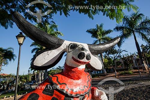 Escultura de mascarado no centro histórico de Pirenópolis  - Pirenópolis - Goiás (GO) - Brasil