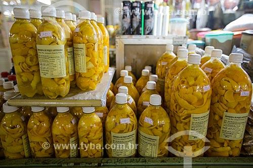 Pequi em conserva à venda no Mercado Municipal Carlos de Pina  - Anápolis - Goiás (GO) - Brasil