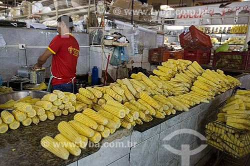 Milhos à venda no Mercado Municipal Carlos de Pina  - Anápolis - Goiás (GO) - Brasil