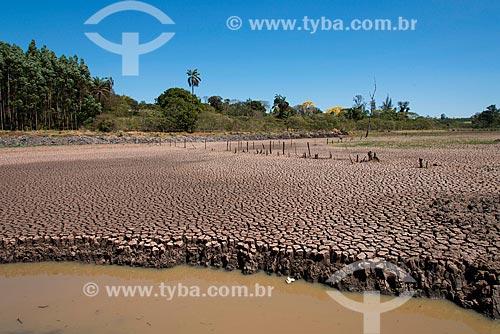 Reservatório da cidade de Tambaú durante a crise de abastecimento de água  - Tambaú - São Paulo (SP) - Brasil