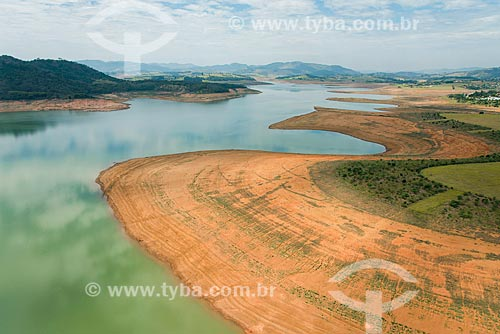 Foto aérea da Represa Jaguari (1981) durante a crise de abastecimento no Sistema Cantareira  - Joanópolis - São Paulo (SP) - Brasil