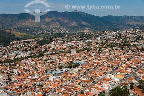 Foto aérea dos bairros Vila Nova Aclimação e Jardim do Lago com a Serra da Cantareira ao fundo  - Atibaia - São Paulo (SP) - Brasil