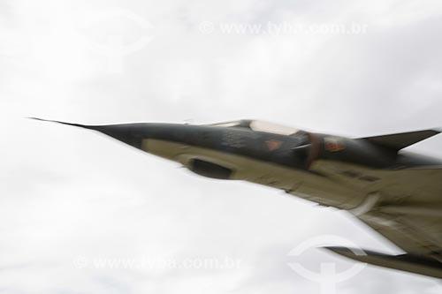 Detalhe do avião caça Mirage III na entrada da Base Aérea de Anápolis (BAAN)  - Anápolis - Goiás (GO) - Brasil