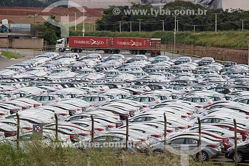Pátio da fábrica da montadora Hyundai Motor Company no Porto Seco Centro-Oeste S/A  - Anápolis - Goiás (GO) - Brasil