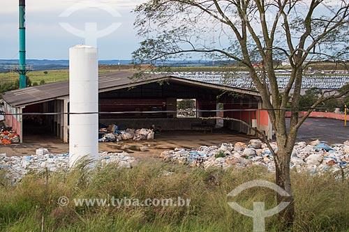 Depósito de lixo industrial no Distrito Agroindustrial de Anápolis  - Anápolis - Goiás (GO) - Brasil