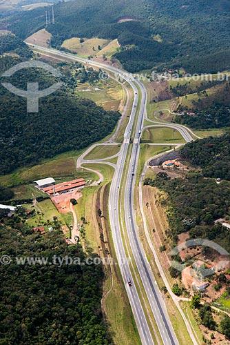Foto aérea da Rodovia Dom Pedro I (SP-065)  - Nazaré Paulista - São Paulo (SP) - Brasil